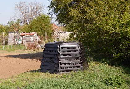 Obstaranie záhradných kompostérov Dubník